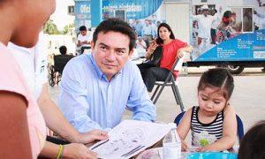 Programa de Salud de Daniel Ávila Ruiz alcanza los 10 mil beneficiarios, a once meses de su creación
