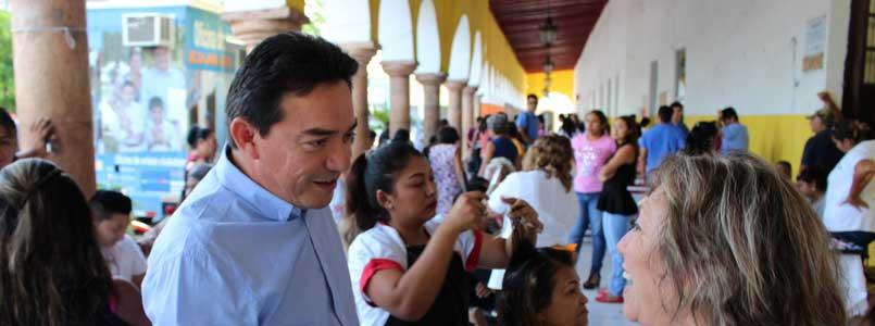 Programa de Salud de Daniel Ávila llega a Oxcutzcab y Ticul, donde más de 1,200 personas reciben servicio médico
